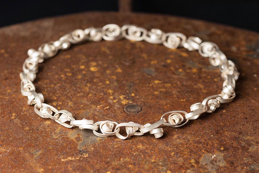 Silberkette, Naturform, Loewenzahnstiele